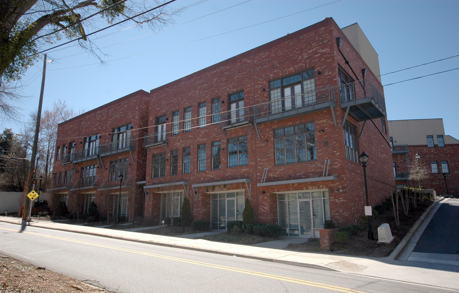 945 College Avenue Athens, GA exterior storefronts